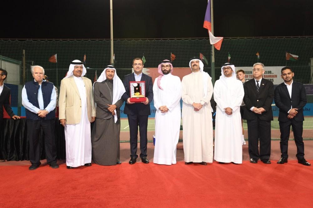 تميز نادي البحرين للتنس في تنظيم دولية ITF