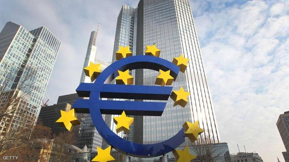 """البنوك المركزية """"تلعب بالنار"""".. وتحذيرات من أزمة """"خانقة"""""""