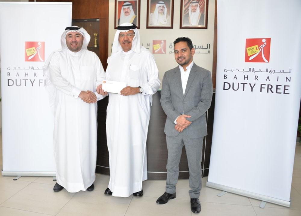 """المقلة يشيد برعاية  """"السوق الحرة البحرين"""" الذهبية لدولية ITF"""