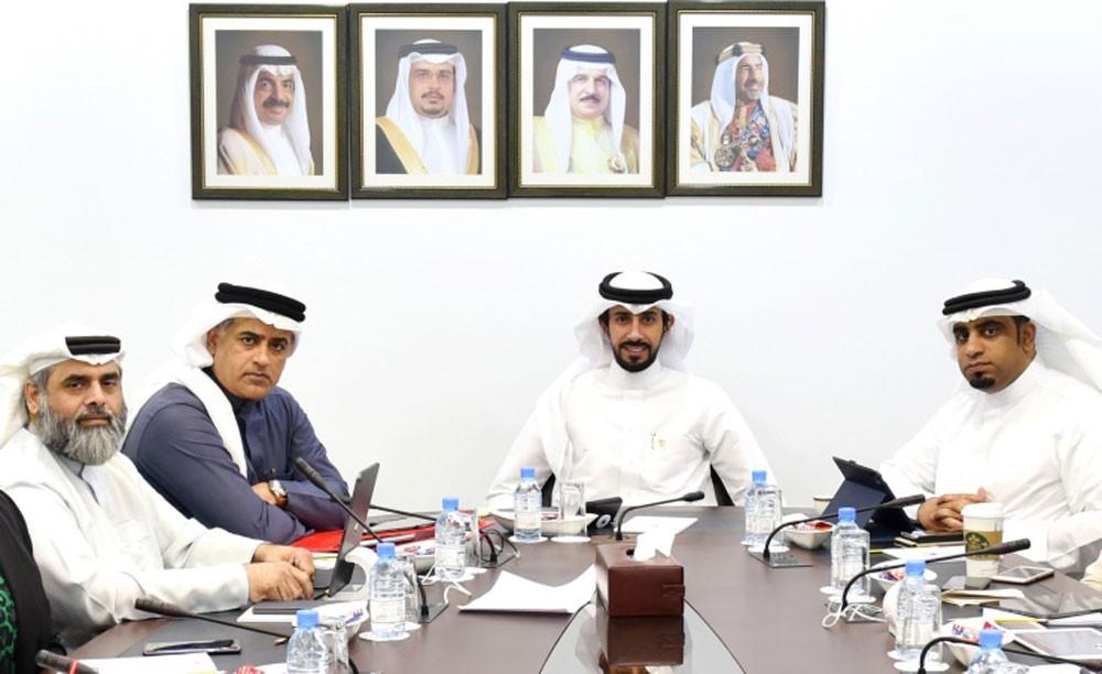 خدمات النواب توافق على عدم تسريح البحرينيين من الشركات
