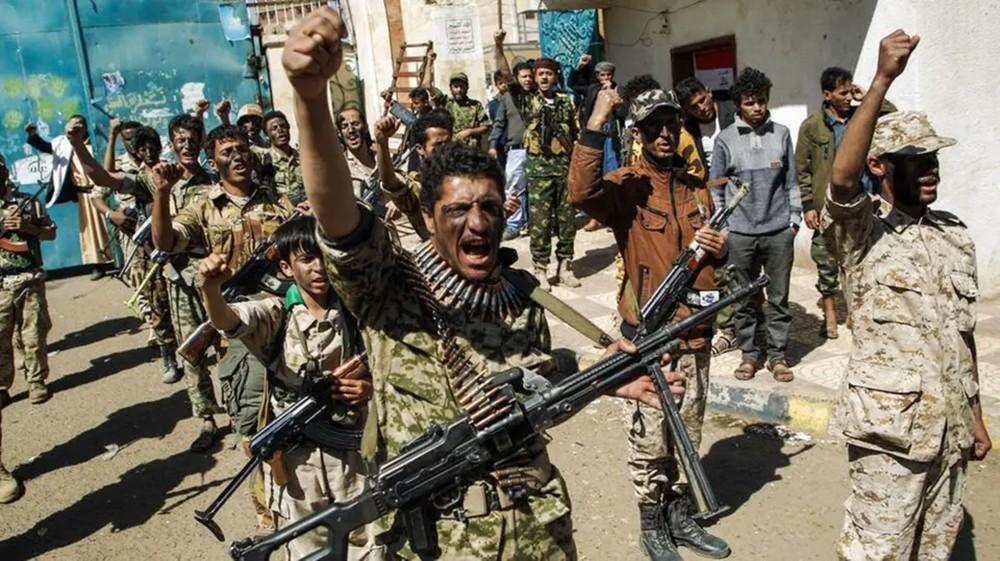 اليمن.. مقتل ضباط وخبراء إيرانيين بغارات للتحالف