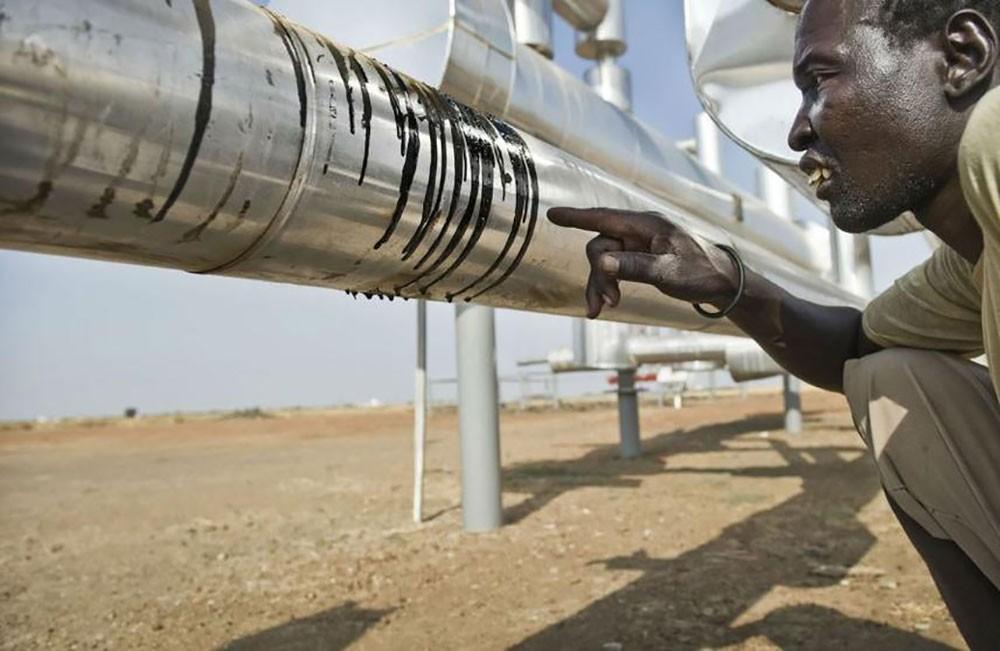 وزير البترول في جنوب السودان : نستهدف رفع إنتاج النفط 70 ألف برميل يوميا بحلول يونيو
