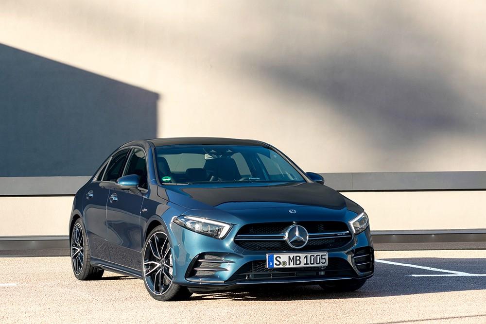 مرسيدس-AMG  تقدم سيارة جديدة من السيارات المدمجة