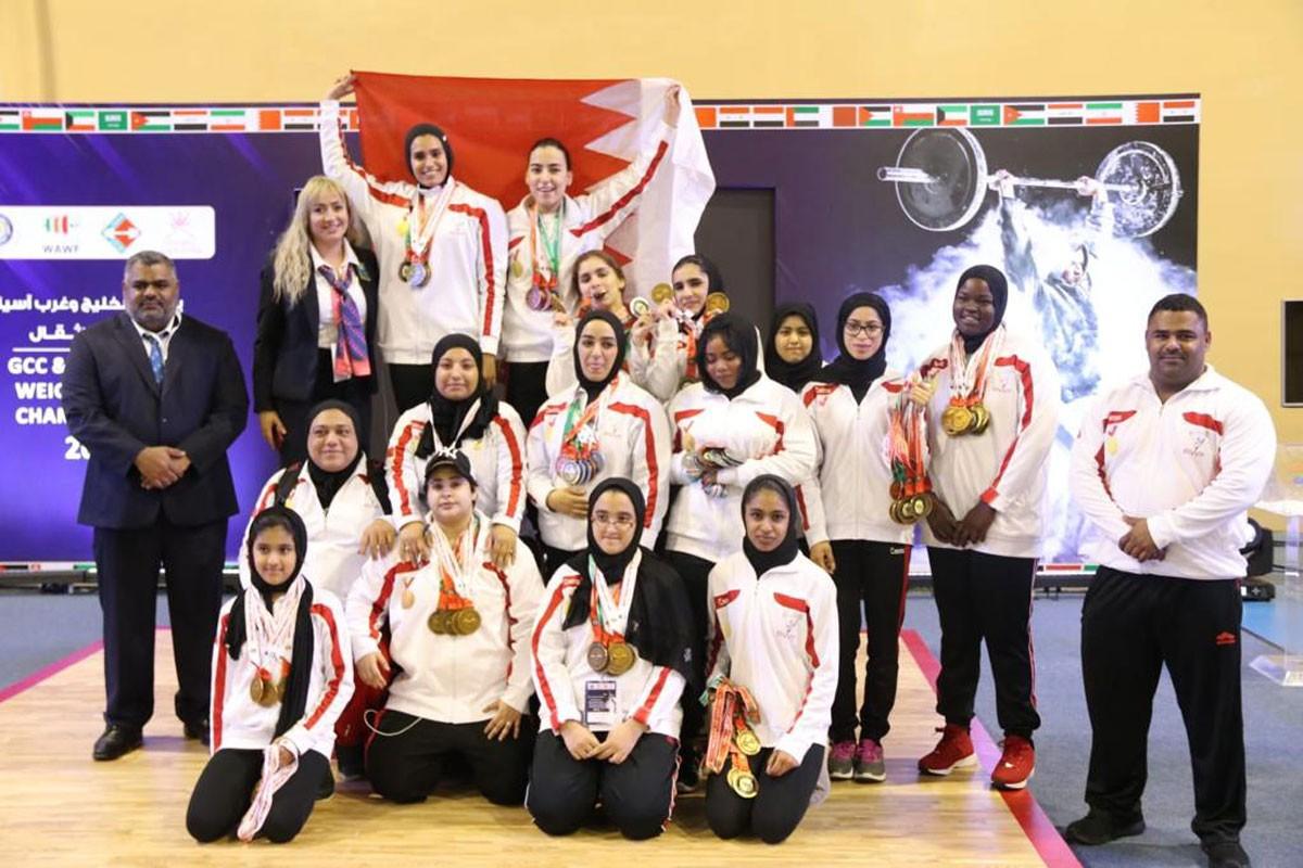 183 ميدالية ملونة للبحرين في خليجية وغرب آسيا لرفع الأثقال بسلطنة عمان