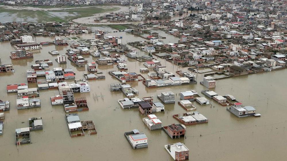 بومبيو: سوء إدارة طهران وراء أضرار السيول المدمرة