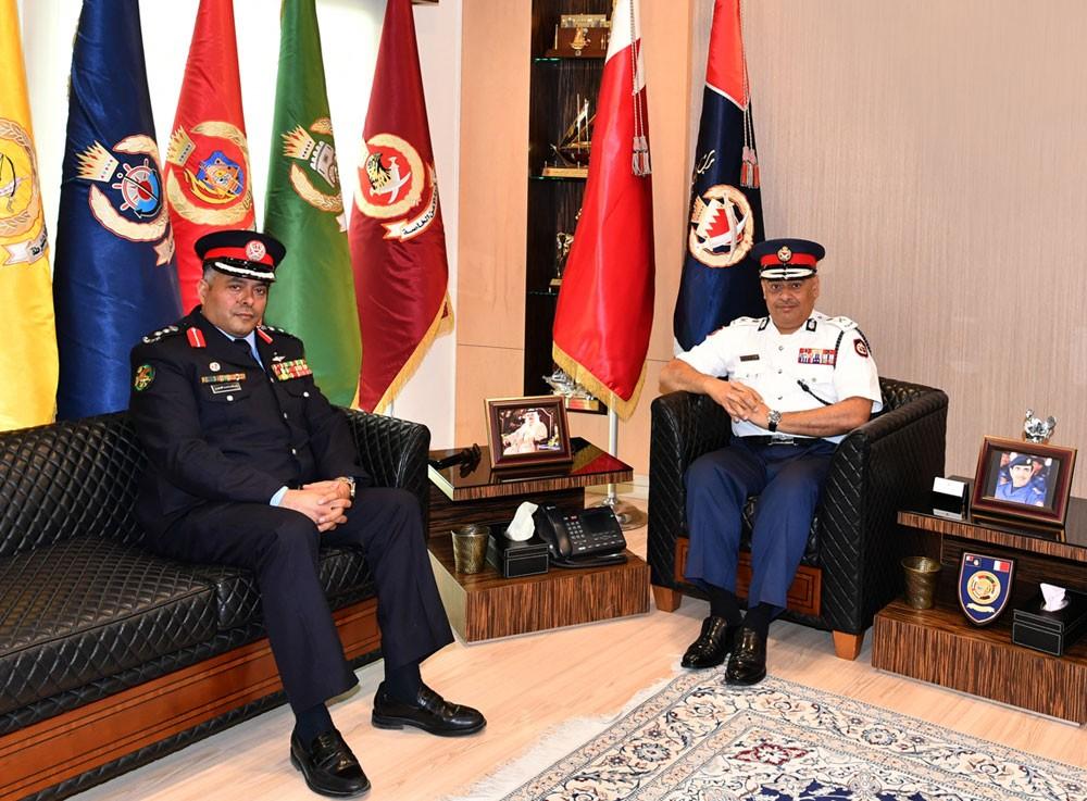 رئيس الأمن العام يستقبل ضابط الارتباط الأمني بالسفارة الأردنية