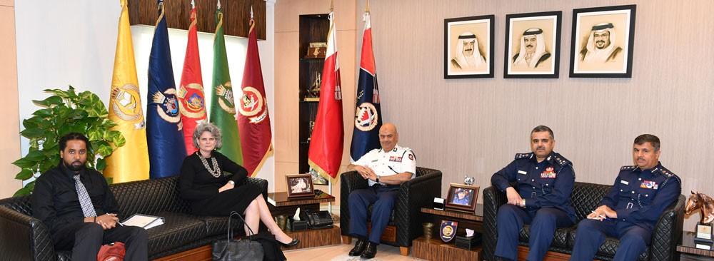 رئيس الأمن العام يستقبل وفدا من مكتب حقوق الإنسان والعمل بالخارجية الأمريكية