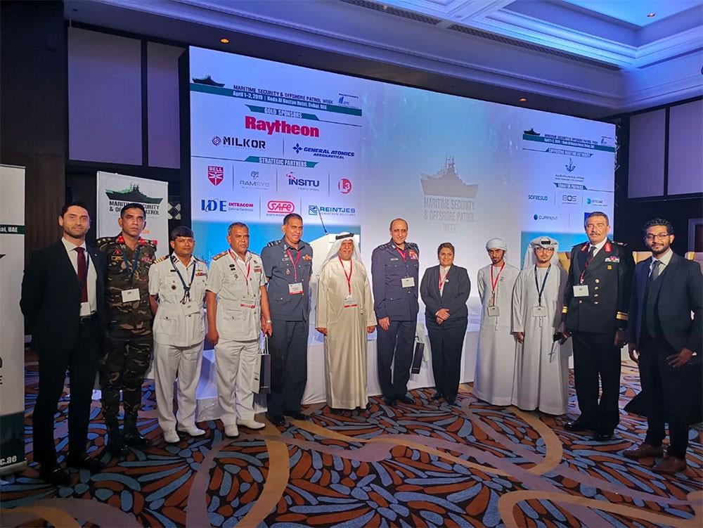 قائد خفر السواحل يشارك في أسبوع الأمن البحري للسفن الدورية في دبي