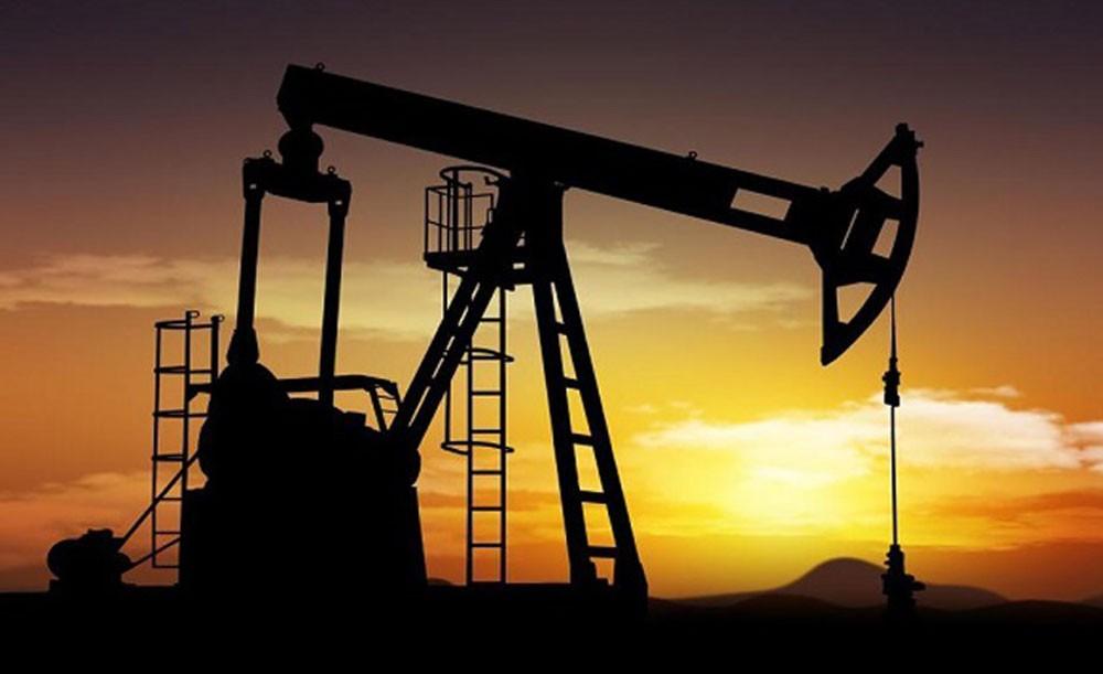 اسعار النفط ترتفع مع تراجع الإمدادات