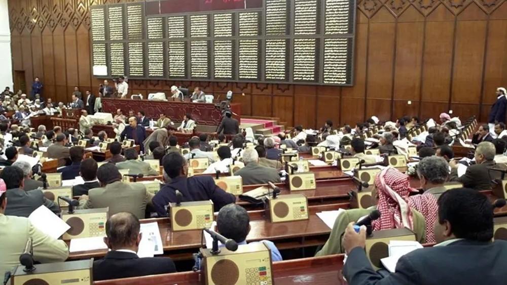 نائبان يمنيان يفران من قبضة الحوثي إلى الشرعية