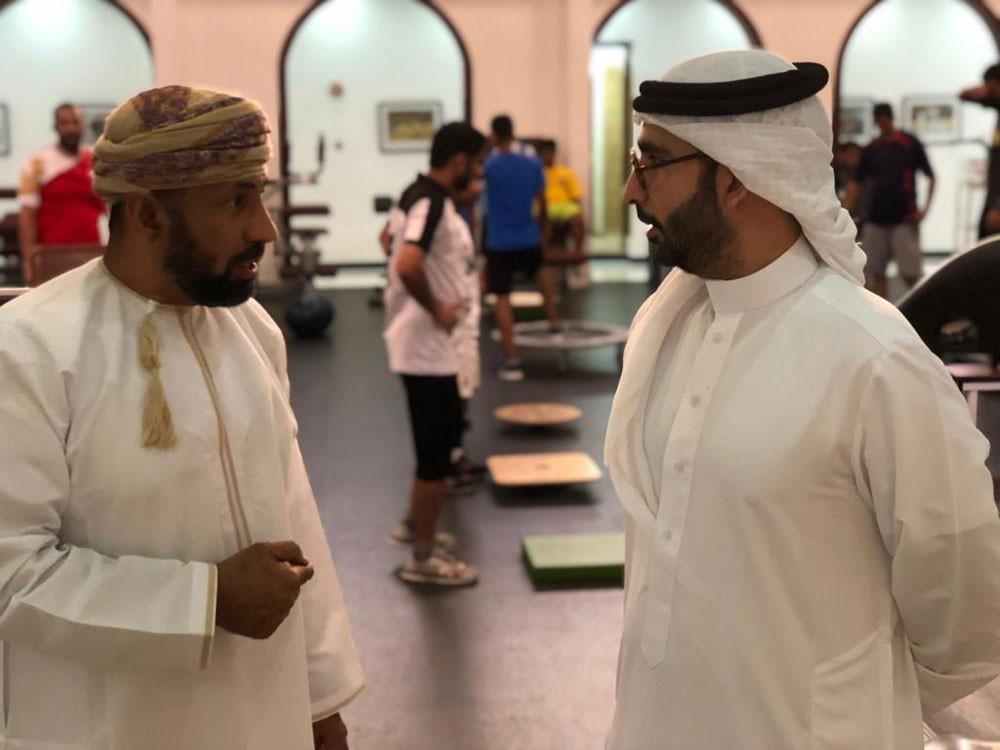 المؤيد يزور مجمع السلطان قابوس الرياضي في بوشر