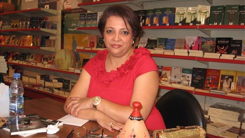 فضيلة الفاروق تسرد أدب المرأة في مركز الشيخ إبراهيم غداً