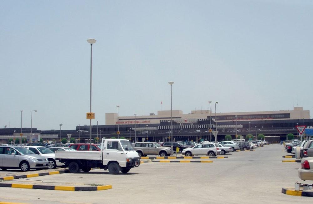 الحبس سنة لعربية اعتدت على شرطيين وهي بحالة سكر في المطار