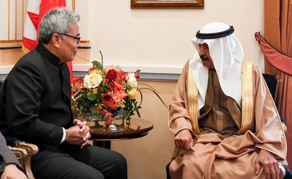 سمو رئيس الوزراء يؤكد حرص مملكة البحرين على توثيق العلاقات مع مملكة ماليزيا