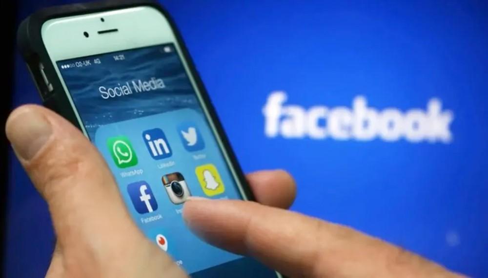 """فيسبوك يعاني مشكلة في تحديث """"الأخبار"""""""