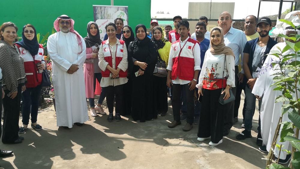 الهلال الأحمر البحريني يدرب متطوعيه على أحدث تقنيات الزراعة