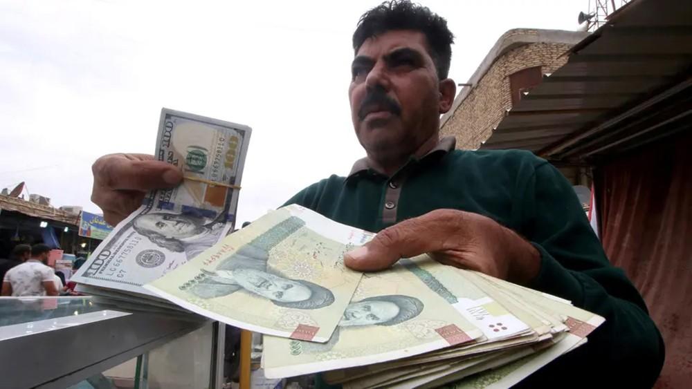 ارتفاع التضخم في إيران 51.4% ينذر بكارثة اقتصادية