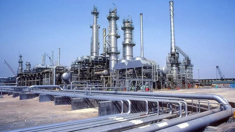 السعودية تؤكد جاهزيتها لتعويض أي نقص من النفط الإيراني