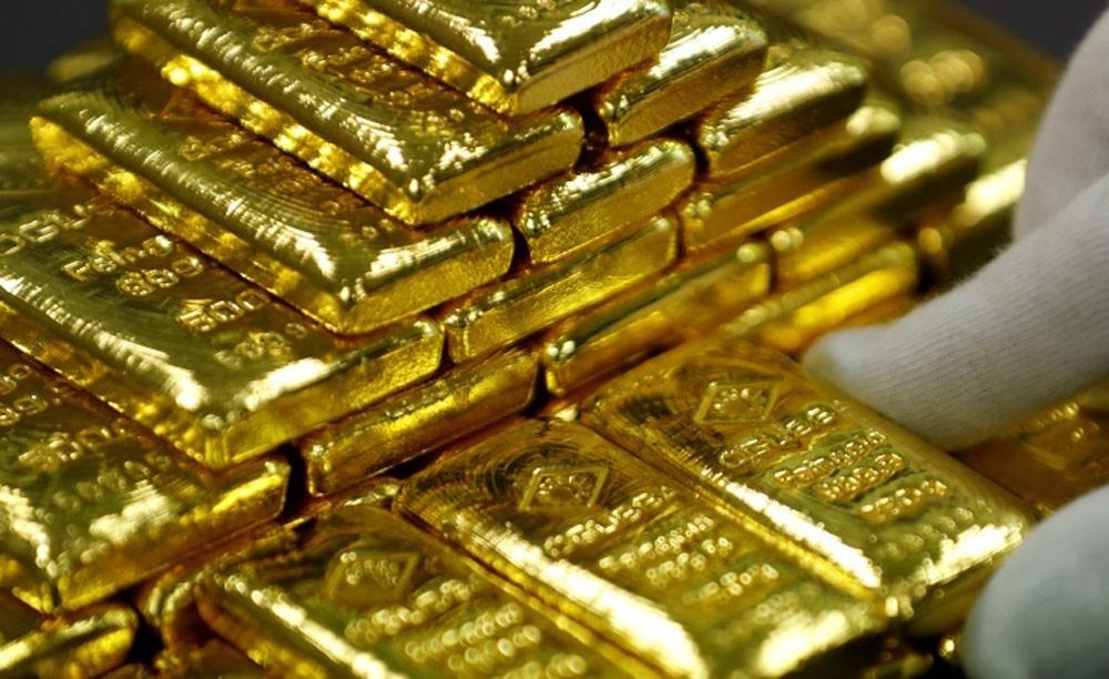 الذهب ينتعش مدعوما بارتفاع اسعار النفط