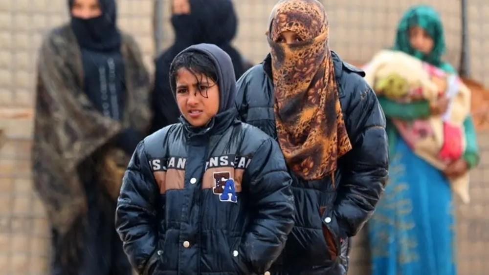 الركبان.. الآلاف يعودون لمناطق النظام هرباً من المجاعة