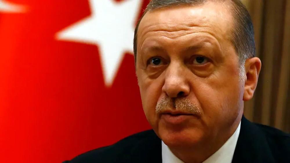 بلومبيرغ: أردوغان يواجه تمردا نادرا داخل صفوف حزبه
