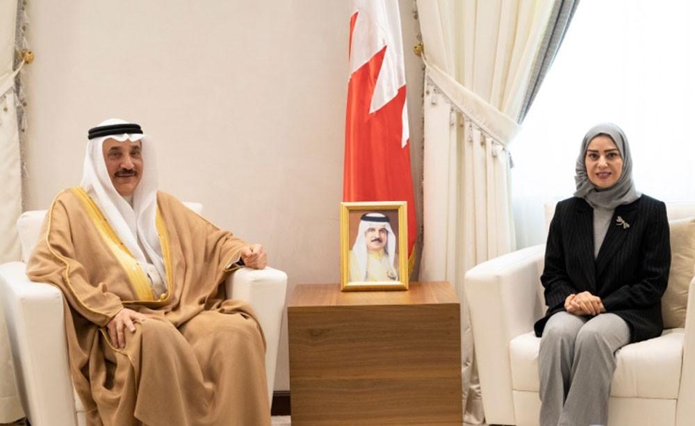 تعزيز التعاون مع الحكومة والقطاع الخاص لتوفير فرص العمل للبحرينيين