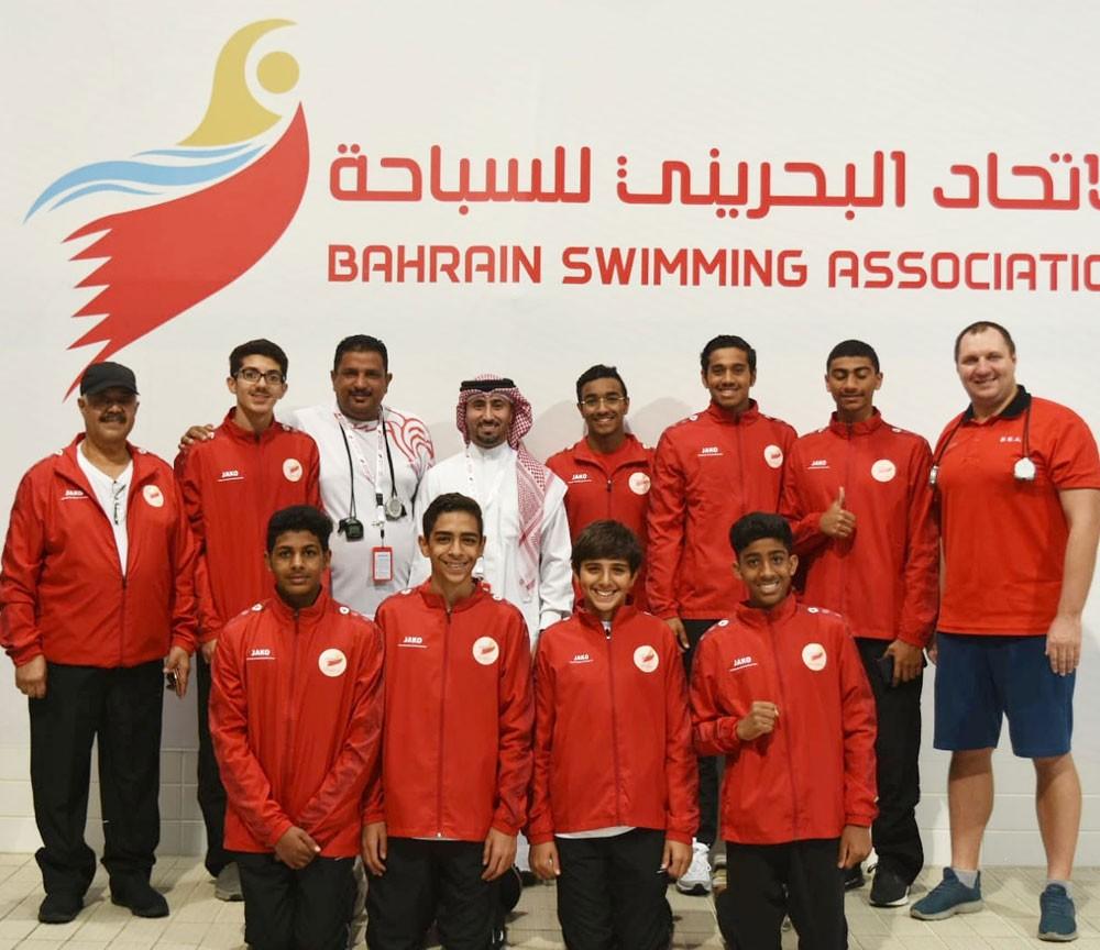 البحرين تشارك ببطولة الخليج لسباحة المجرى القصير