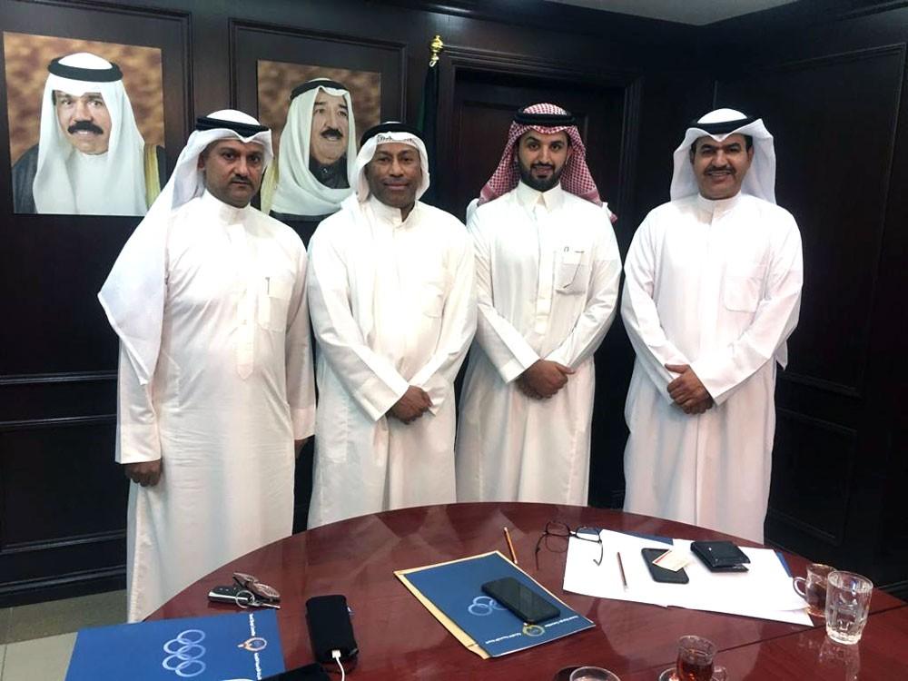 البحرين تتسلم اللجنة التنظيمية الخليجية للكرة الطائرة رسميا