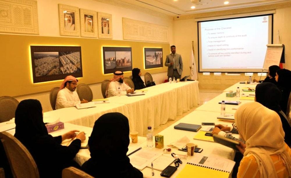 وزارة الإسكان تنظم ورشة عمل لموظفيها حول الإصدار الأخير للآيزو
