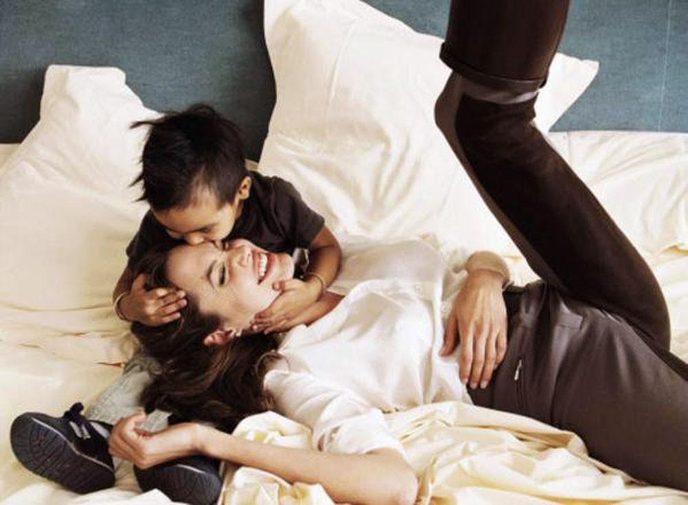 """ما السر وراء """"الابن الذهبي"""" لأنجلينا جولي الذي قررت منحه كل ثروتها"""