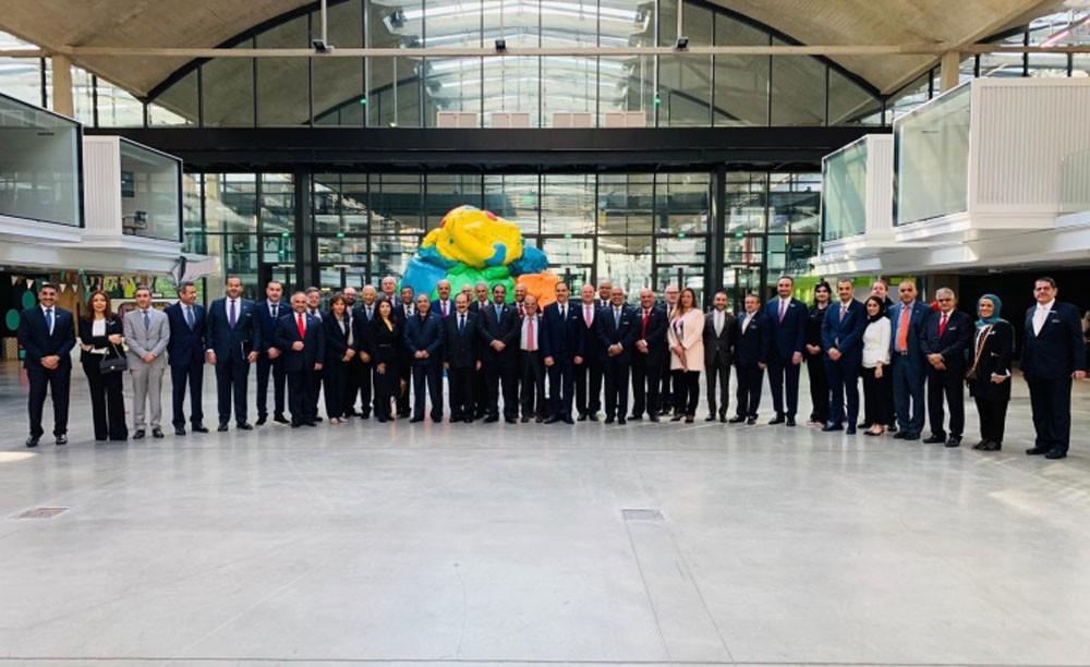 """وزير الصناعة والتجارة يزور أكبر حاضنة للشركات الناشئة """"station F"""" في فرنسا"""