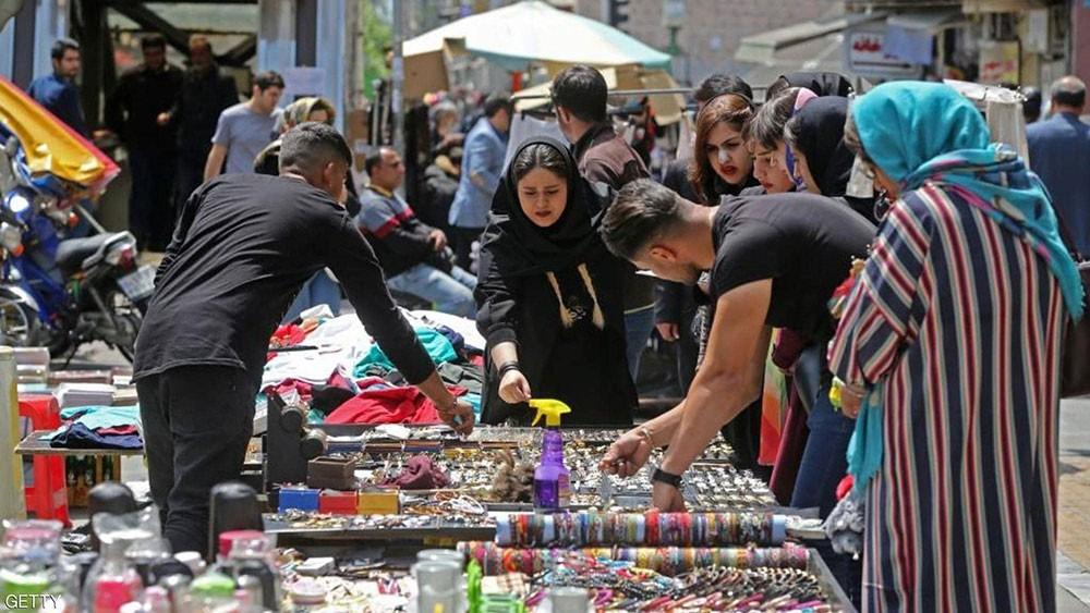 """إيران.. أزمة الاقتصاد تتعمق والنظام """"يجوع"""""""