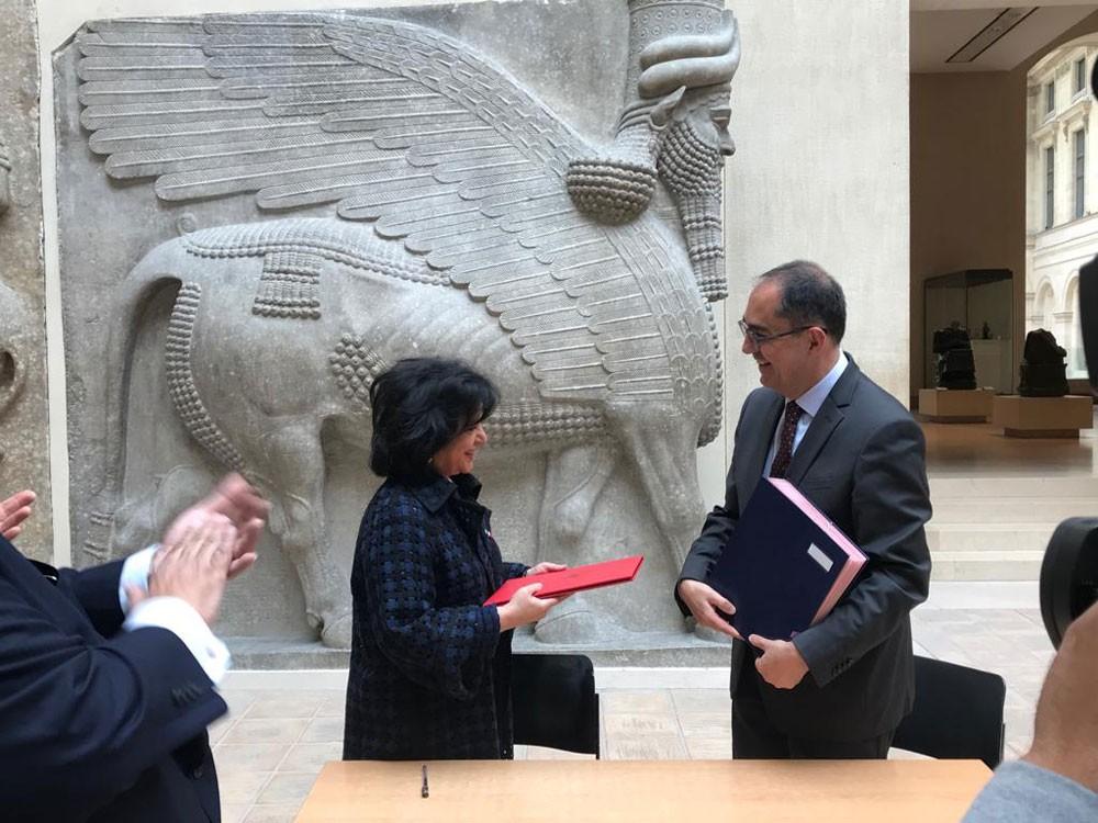 هيئة الثقافة توقع اتفاقية تعاون مع متحف اللوفر بباريس
