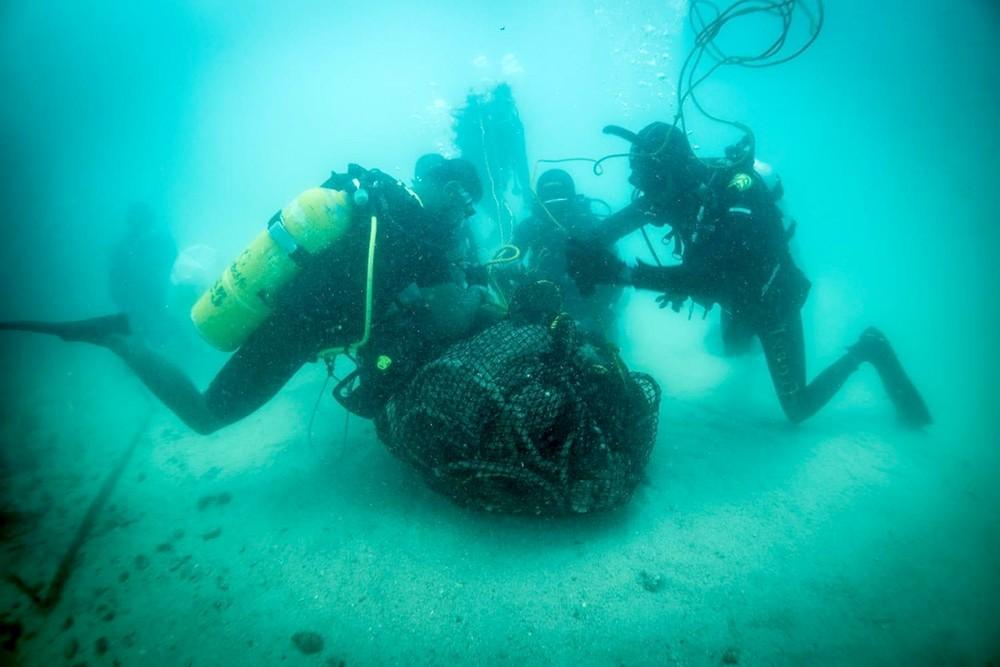 المجلس الأعلى للبيئة و شركة إي بي إم تيرمينالز البحرين يطلقان حملة التنظيف لقاع البحر