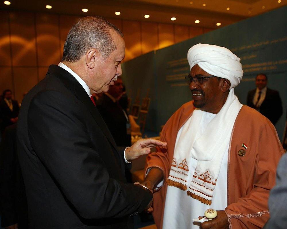 صفقة تركيا الاستخباراتية والعسكرية مع مخلوع السودان في مهب الريح