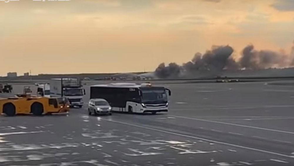 مقتل 13 شخصاً جراء هبوط اضطراري لطائرة روسية في موسكو