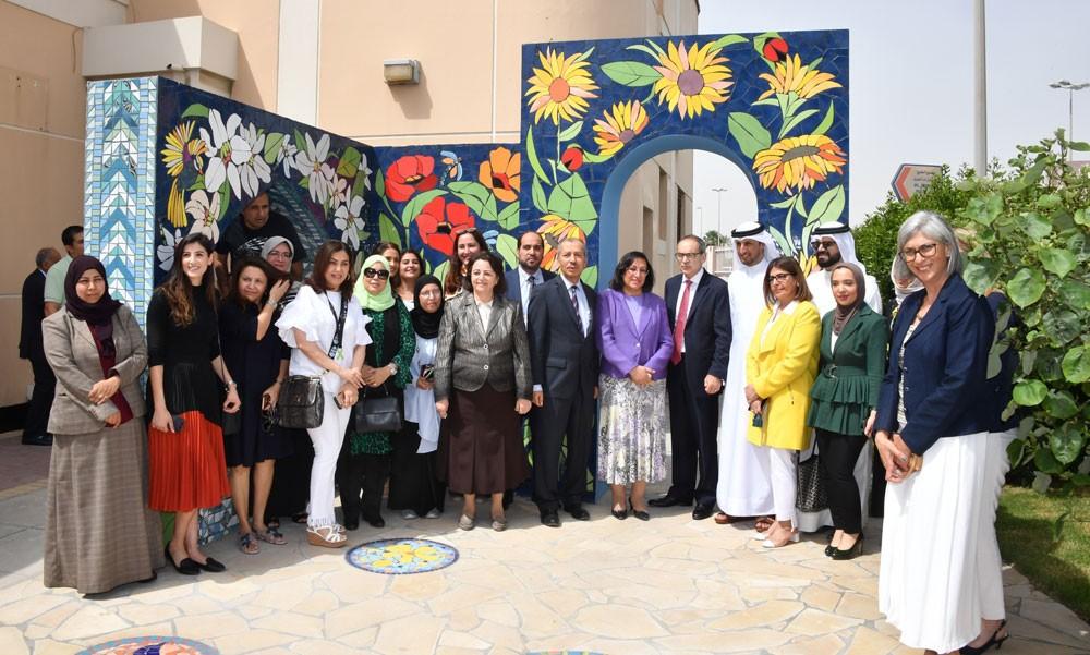 وزيرة الصحة تفتتح ملعب الأطفال وحديقة الفسيفساء