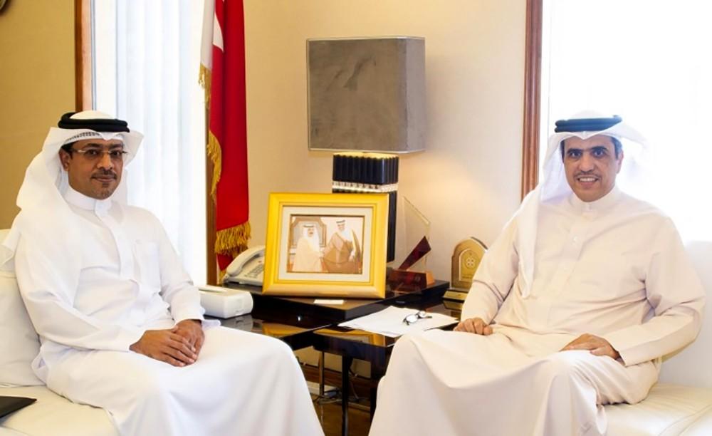 وزير شؤون الإعلام يستقبل الرئيس التنفيذي لشركة ديار المحرق