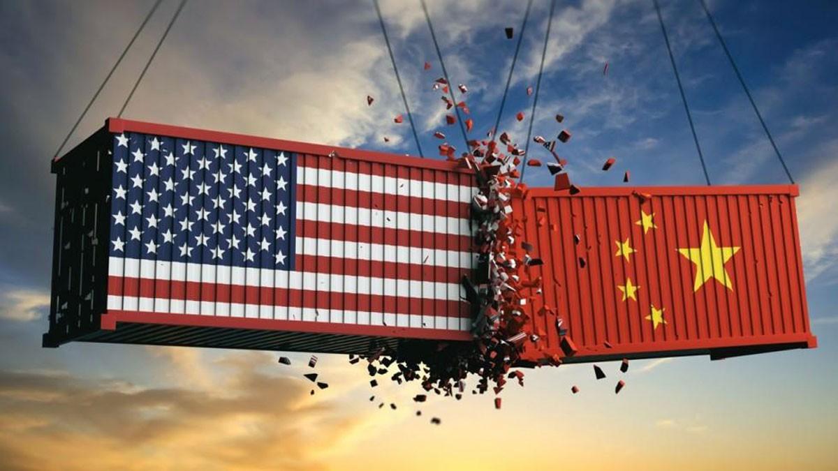 ضربات قاتلة متبادلة بين واشنطن وبكين مع تصاعد الحرب التجارية
