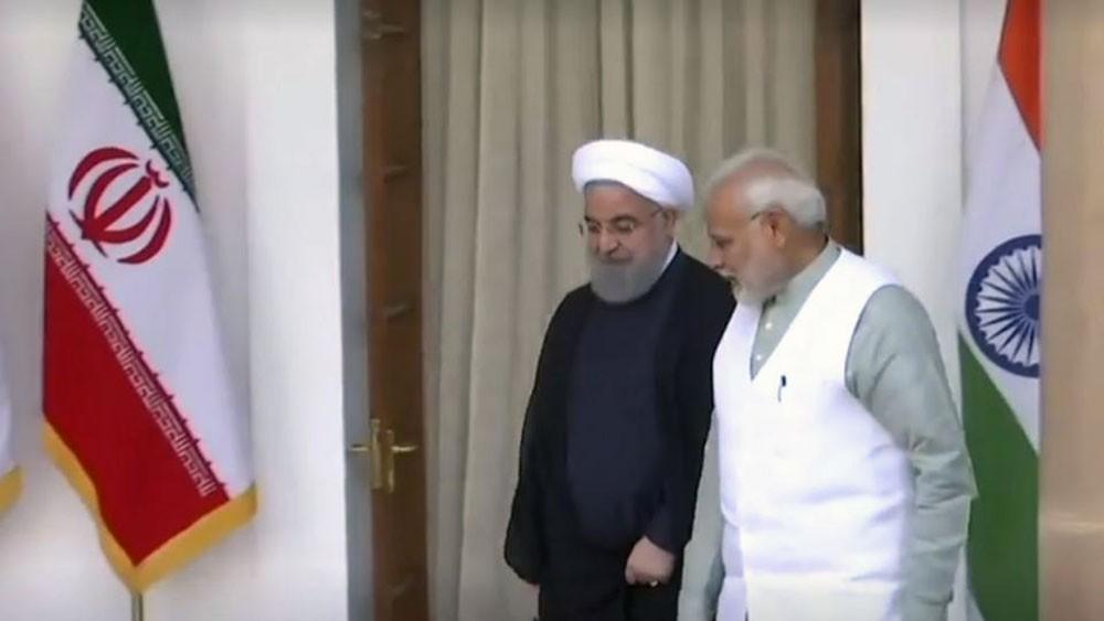 للالتفاف على العقوبات..الهند تهمس في أذن إيران: لنتقايض