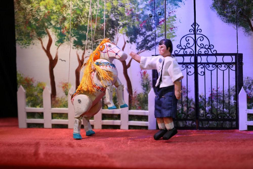 الخيرية الملكية تقدم (المظلة) في مهرجان المسرح بالمغرب