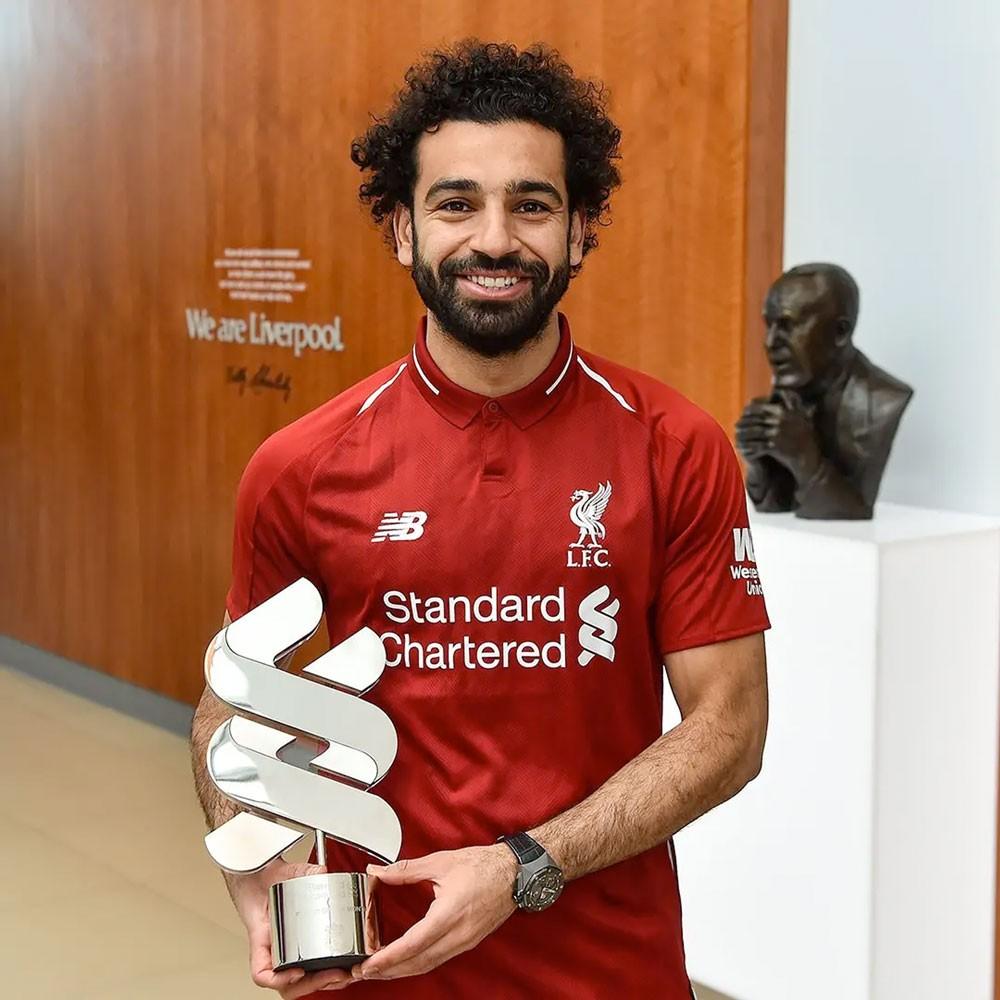 """صلاح يفوز بجائزة """"لاعب الشهر"""" في ليفربول"""