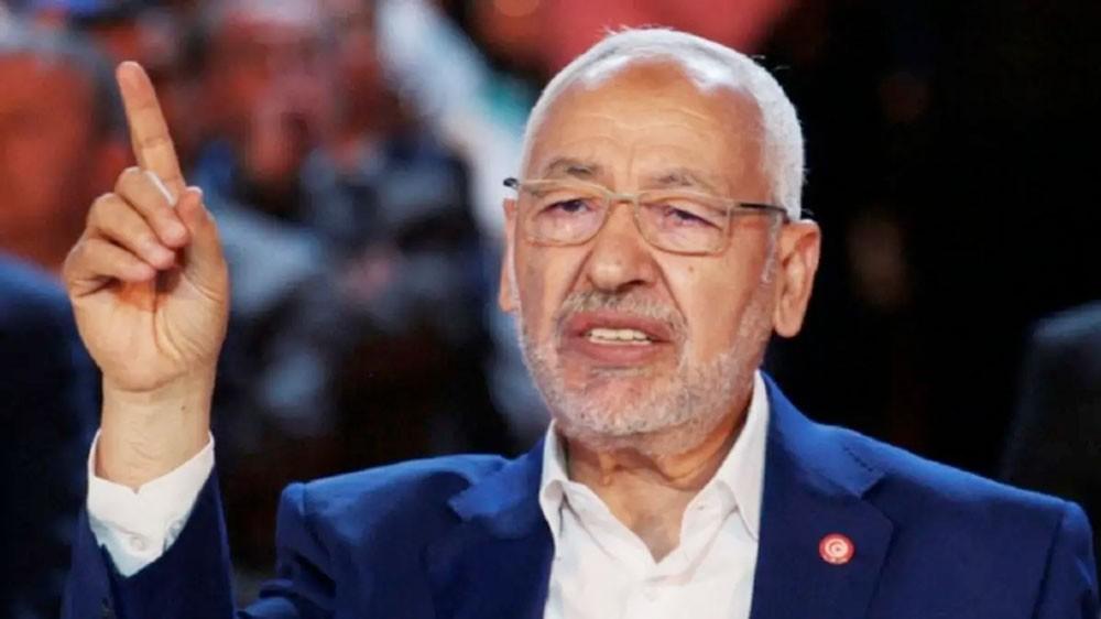 تونسية تصب غضبها على الغنوشي داخل طائرة