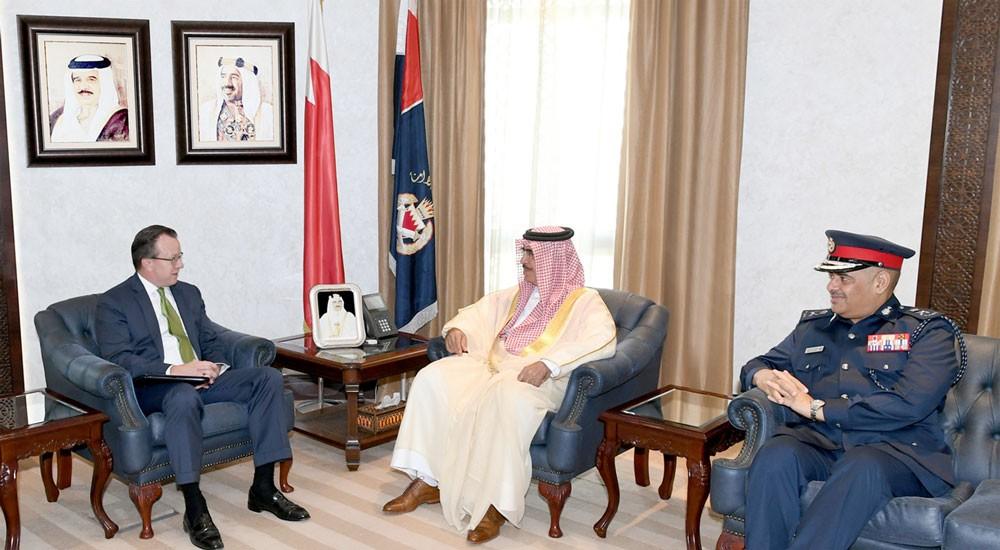 معالي وزير الداخلية يبحث مع السفير الأمريكي عددا من الموضوعات ذات الاهتمام المشترك