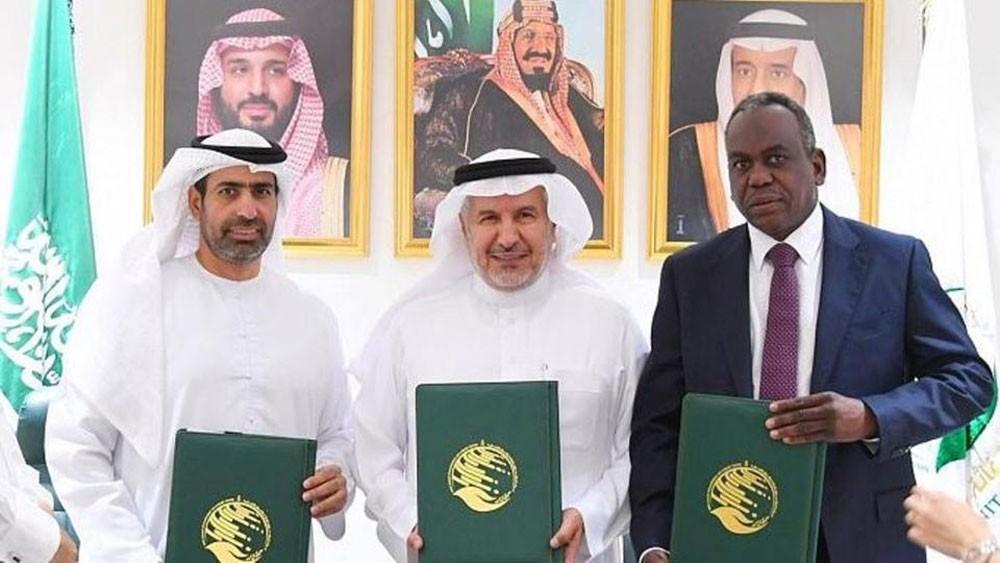 70 مليون دولار من السعودية والإمارات لدعم المعلمين باليمن