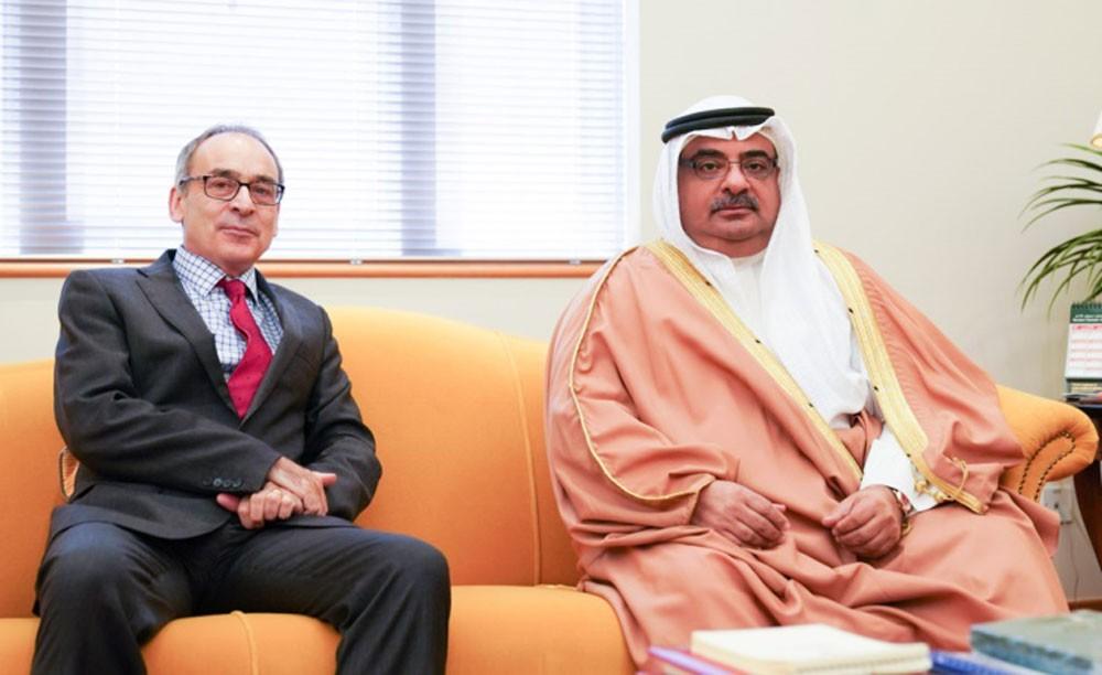 سمو الشيخ سلمان بن خليفة يشيد بعلاقات الصداقة البحرينية البريطانية