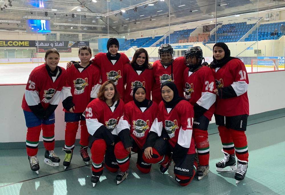 سيدات هوكي الجليد يشاركون في أول بطولة خارجية