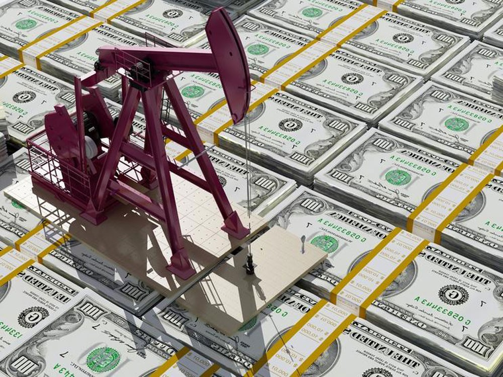 النفط يلامس أعلى مستوى في أسابيع