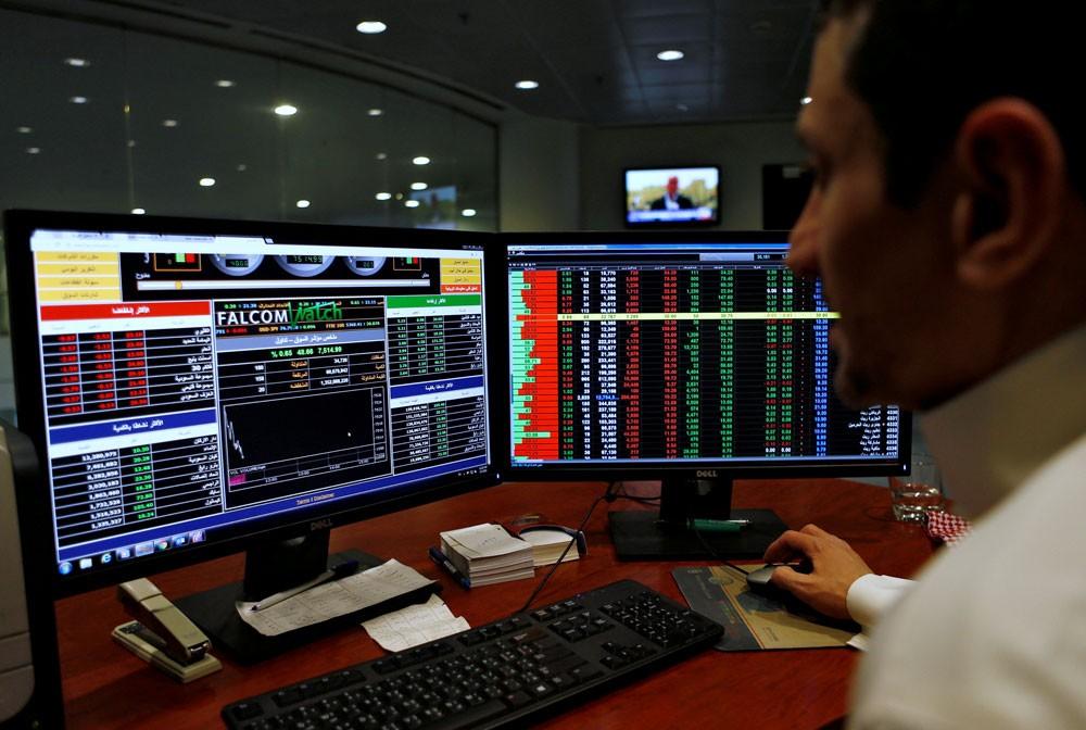 زخم الاكتتابات والاندماجات يصعد بالأسهم السعودية