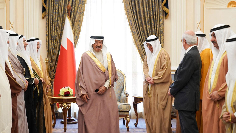 سمو رئيس الوزراء يدعو العرب والمسلمين بأن يضعوا ثقلهم خلف السعودية
